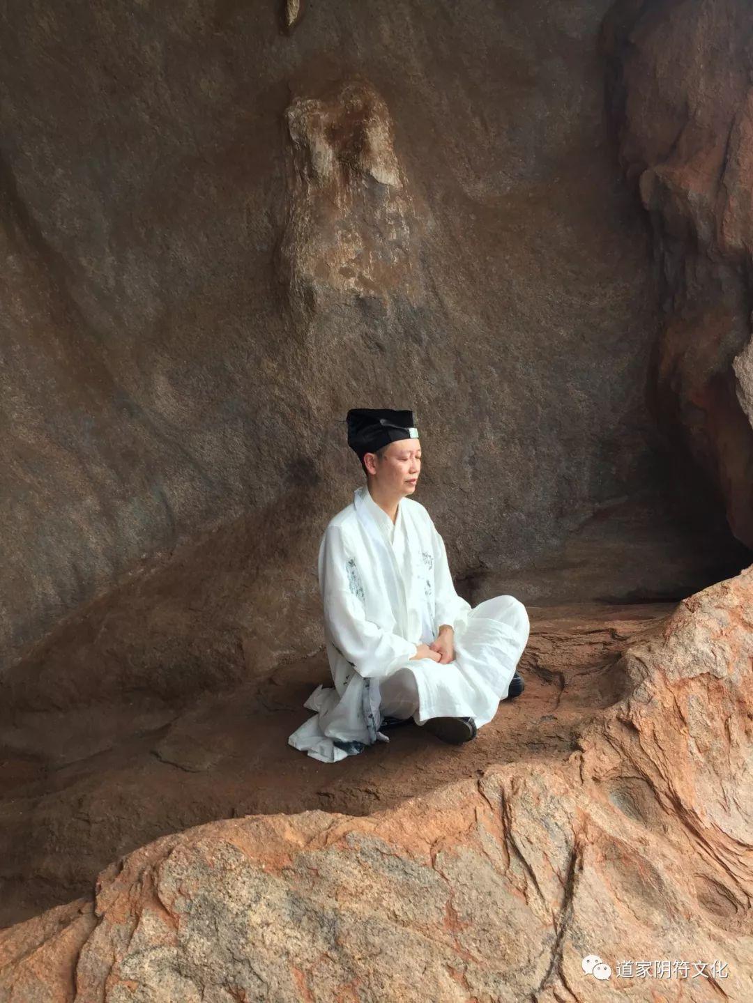 道家阴符派博客--世界修行之旅-澳洲(3):乌鲁卢艾尔斯岩--乌鲁卢 11